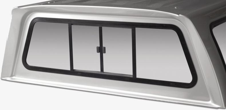 Hardtop má otevírací přední okno