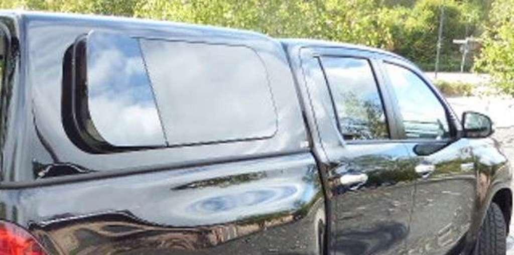 Výklopné boční okno hardtopu - B5