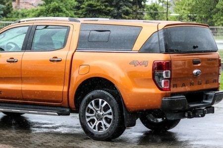 Nissan NP300 - Hardtopy s bočními okny
